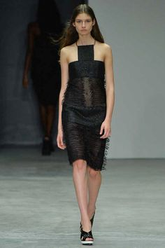 Calvin Klein Collection Spring 2014 Ready-to-Wear Collection Slideshow on Style.com#1