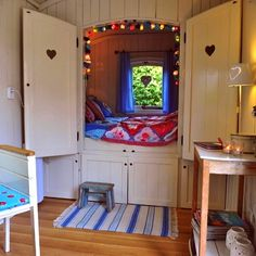 Hidden bed for so much room Beautiful & amazing bedroom! Hidden bed for so much room Beautiful & amazing bedroom! Cute Bedroom Ideas, Cute Room Decor, Room Ideas Bedroom, Awesome Bedrooms, Bedroom Decor, Boys Bedroom Furniture, Bedroom Nook, Bedroom Drawers, Warm Bedroom