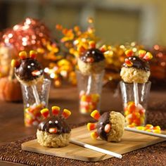 Thanksgiving Treats - lots of ideas on this site (could use for school parties or bake sale)