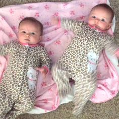 Beautiful Babies Are Excited. Beautiful Babies Are Excited. Twin Baby Girls, Twin Babies, Cute Baby Girl, Little Babies, Funny Baby Pictures, Cute Baby Photos, Cute Baby Videos, Cute Funny Babies, Funny Kids