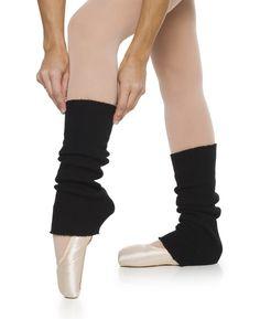 (Ciclo Médio - Moda). A polaina é usada durante exercícios físicos em academias até hoje. Atualmente é acessório da moda e uma boa alternativa na hora de se proteger do frio.