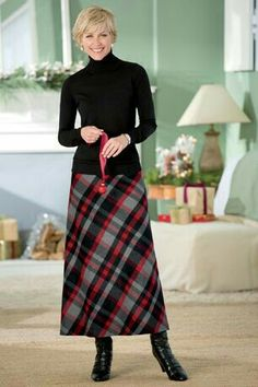 I had a tartan maxi skirt like this that I wore with a black polo neck sweater and black boots during uni days. Long Wool Skirt, Long A Line Skirt, A Line Skirts, Modest Outfits, Skirt Outfits, Modest Fashion, Dress Skirt, Skirts With Boots, Plaid Skirts
