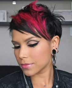 funky pixie cut with hot pink highlights - epic. Cute Hairstyles For Short Hair, Pixie Hairstyles, Short Hair Cuts, Short Hair Styles, Natural Hair Styles, Fringe Hairstyles, Love Hair, Great Hair, Funky Pixie Cut