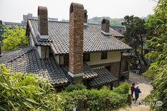 어제와 오늘의 문화 예술이 어우러진 서촌 나들이 - 고풍스러운 빨간 가옥, 박노수 미술관