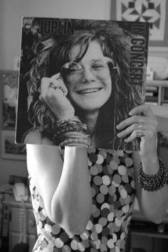 I love Janis Joplin. It is a shame she died right when her career was getting huge! Vinyl Record Art, Vinyl Music, Vintage Vinyl Records, Janis Joplin, Rock And Roll, Jimi Hendricks, Vinyl Sleeves, New Wave, Vinyl Junkies