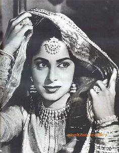 vaheeda-rehman-jewellery-pic