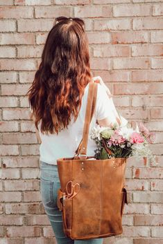 Back to uni in style with gorgeous handmade women's leather backpacks, satchels, totes, laptop bags. Bags as individual as you. University Bag, University Style, Uni Bag, Back To Uni, Student Discounts, Best Bags, Student Life, Get The Look, Besties