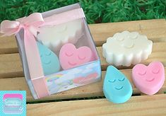 lembrancinha-chuva-de-amor-08 Baby Cactus, My Little Pony Cake, Green Soap, Baby Soap, Handmade Cosmetics, Homemade Soap Recipes, Soap Packaging, Home Made Soap, Soap Making