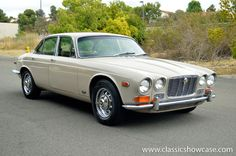 1971 Jaguar XJ6 Sedan | Available from classicshowcase.com