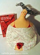 <h5>Non ora non qui - Carlotta Parisi</h5><p>Scultura dedicata a Erri de Luca.</p>