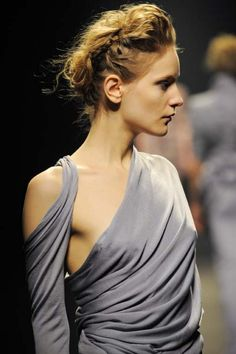 Wrap, drape, gather - the modern grecian goddess; fashion design details // Haider Ackermann
