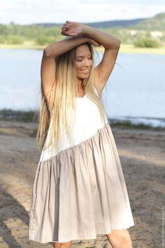 Купить или заказать Платье свободного кроя 'Cappuccino' в интернет-магазине на Ярмарке Мастеров. Платье выполнено из плотного приятного хлопка. Длина платья 93 см. Платье дышит и играет. Не сковывает движений. Эта модель так же прекрасна для девушек в ожидании малыша.( Платье из новой коллекции, скидок на него нет).