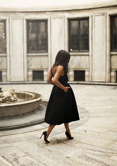 black dress + black pumps