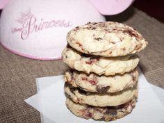 Disneyland's White Chocolate Raspberry Cookie (Selmas Cookies)