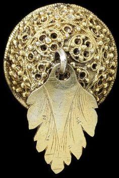 Button | unknown |19th century, silver gilt filigree, Iceland.