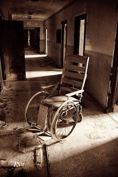 Abandoned Sea View Hospital on Staten Island, New York -- by no3rdw, via Flickr