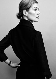 "fuckyeahrosamundpike: "" Rosamund Pike photographed by Jiaji Jin for Marie Claire China, 2016 """