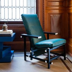 Cassina Re-Imagines Gerrit Rietveld's Red and Blue Chair - Bloomberg