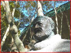 Homo Sodo: Pamplona. Monumento ad Ernest Hemingway.