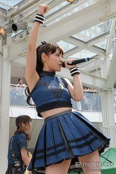 Pleated Mini Skirt, Mini Skirts, Poses, Cute Japanese, Sexy Skirt, Beautiful Asian Women, Lolita Dress, Asian Fashion, Asian Woman