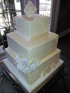 Bride's Cakes Wedding Cakes Photos on WeddingWire