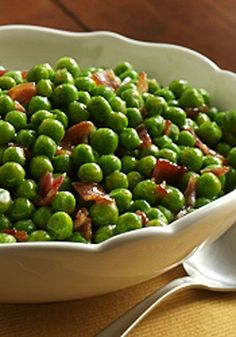 Who says side dishes can't have a leading role? Discover delicious, easy-to-prepare side dish recipes to accompany tonight's dinner. Pea Recipes, Bacon Recipes, Side Dish Recipes, Veggie Recipes, Peas And Bacon Recipe, Diner Recipes, Potato Recipes, Cooking Recipes, Christmas Dinner Side Dishes