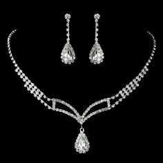 Silver Clear Rhinestone Necklace & Earrings Set. Kim's Bridal, Keywords: #michiganeventrentals #michiganbridalshop #weddingrentals #weddingaccessories #kimsbridal Follow Us: http://www.kimsgiftbaskets.com/ ... https://www.facebook.com/KimsGifts