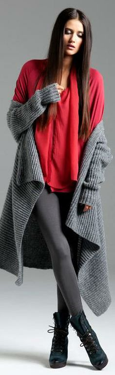 Gorgeous colours. Grey knit, leggings with beautiful scarlet top