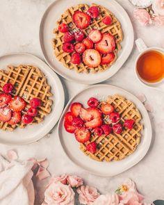 Waffle Recipes, Brunch Recipes, Breakfast Recipes, Breakfast Ideas, Oatmeal Waffles, Oatmeal Flour, Healthy Snacks, Healthy Recipes, Toddler Food