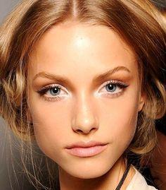 glowing neutral makeup