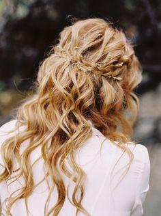 Moody Creekside Bridal Inspiration in Copper Tones   Wedding Sparrow   Mariel Hannah Photography
