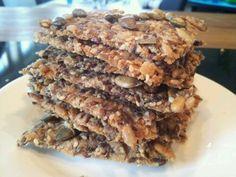 Tips til hvordan du enkelt får supertynne knekkebrød.   How to get your crispbreads really thin. Cereal, Easy Meals, Breakfast, Tips, Desserts, Recipes, Food, Morning Coffee, Tailgate Desserts