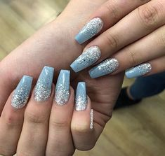 Awesome Ombre Nails Design Ideas Trending This Summer - Nail Art Connect Ombre nails are one of the most popular designs trends today. After ombre nails became fashionable all over the world that Baby Blue Nails With Glitter, Blue And Silver Nails, Blue Ombre Nails, Light Blue Nails, Blue Acrylic Nails Glitter, Winter Acrylic Nails, Homecoming Nails, Prom Nails, Cinderella Nails