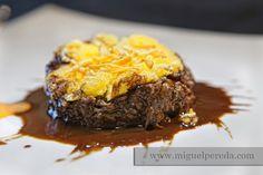Rabo de Toro Estofado y Deshuesado con Crujiente de Pasta www.miguelpereda.com