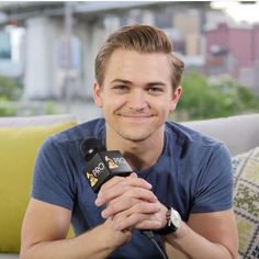 Hunter Hayes I totally think u are more than hot and cute I just love u so much to death