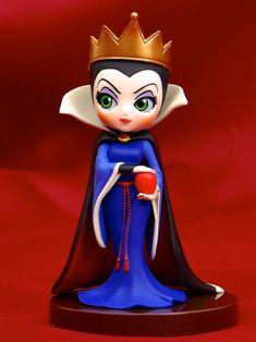 Disney Princess Doll Collection, Disney Princess Dolls, Disney Dolls, Princess Cakes, Cute Polymer Clay, Cute Clay, Polymer Clay Projects, Disney Rings, Disney Jewelry