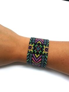 Wide+Cuff+for+Any+Loom+Size+Neon+Beaded+Loom+por+dvorakdesigns,+$4.00