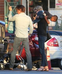Charlize Theron - Charlize Theron and Sean Penn at Whole Foods