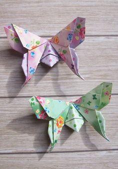 ! As borboletas não precisam ser todas da mesma estampa! <br>- Lindas , coloridas e delicadas borboletas de origami. <br>- Criação/ Autor: Michael Lafosse; <br>- O papel mede 7,5 cm x 7,5 cm. São estampadas com pequenas estrelas. <br>- Podem ser usadas para decoração de casamentos, aniversários, decoração do seu lar, lojas, usados como topper, ímãs, lembrancinhas.