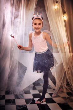 ¡Dale paso a un #FantasyWorld 💜🦄  con los looks mágicos de nuestra #HalloweenCollection 🎃! #FantasyWorld  #HalloweenSTUDIOF  #GirlBySTUDIOF  #FantasyWorldbySTUDIOF #HalloweenCollection  Accesorio Ref. K210158 Blusa Ref. K170940 Falda Ref. K030154 Calzado Ref. K370005 Fantasy World, Ballet Skirt, Skirts, Fashion, Vestidos, Footwear, Blouse, Women, Moda
