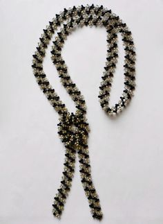 Pattern for amazing necklace Zebra. Using this pattern u can make beautiful bracelet too.