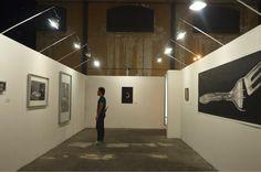 """El diseño de la Fábrica de Arte Cubano está inspirado en la escuela de la Bauhaus, que sentó las bases normativas y patrones de lo que hoy conocemos como diseño industrial y gráfico, y cuyo revolucionario ideal era definido por su fundador Walter Gropius con la siguiente frase: """"la forma sigue a la función""""."""