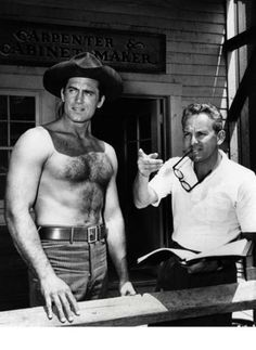 Clint Walker working on a scene. Scruffy Men, Hairy Men, Hollywood Men, Classic Hollywood, Mode Vintage, Vintage Men, Clint Walker Actor, Tarzan Actors, Oscar 2017