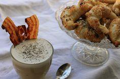 Cappuccino salato con croissant al parmigiano