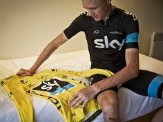 Froome wins Stage 8 and takes the yellow jersey! Scott Mitchell, Chris Froome, Tours France, Olympic Sports, Pro Cycling, Cyclists, Boom Boom, Try Harder, How To Memorize Things