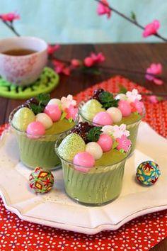 濃厚抹茶と白玉のババロアカップ。☆Japanese springlike cup dessert. Fluffy & velvety rich matcha (powdered green tea) bavarois topped with shiratama (rice-flour dumplings), anko (bean jam) & matcha whipped cream.