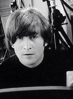 John Lennon what a great musican. Wish he were still alive Beatles Love, John Lennon Beatles, Beatles Photos, John Lennon Guitar, Jhon Lennon, Beatles Band, Great Bands, Cool Bands, All My Loving