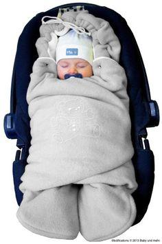 ByBUM - Baby Winter-Einschlagdecke 'Das Original mit dem Bären', Universal für Babyschale, Autositz, z.B. für Maxi-Cosi, Römer, für Kinderwagen, Buggy oder Babybett, Farbe:Grau/Weiß - pucken mit dem Pucksack