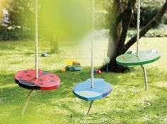 The hit in the garden! With this pony swing from an old car tire, the .The hit in the garden! With this pony swing made from an old car tire, your children will prefer to Backyard Playground, Backyard For Kids, Diy For Kids, Childrens Swings, Summer Kids, Outdoor Fun, Kids Playing, Activities For Kids, Diy Projects