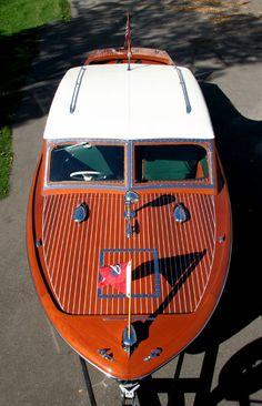 1948 25' Chris Craft Sportsman Sedan
